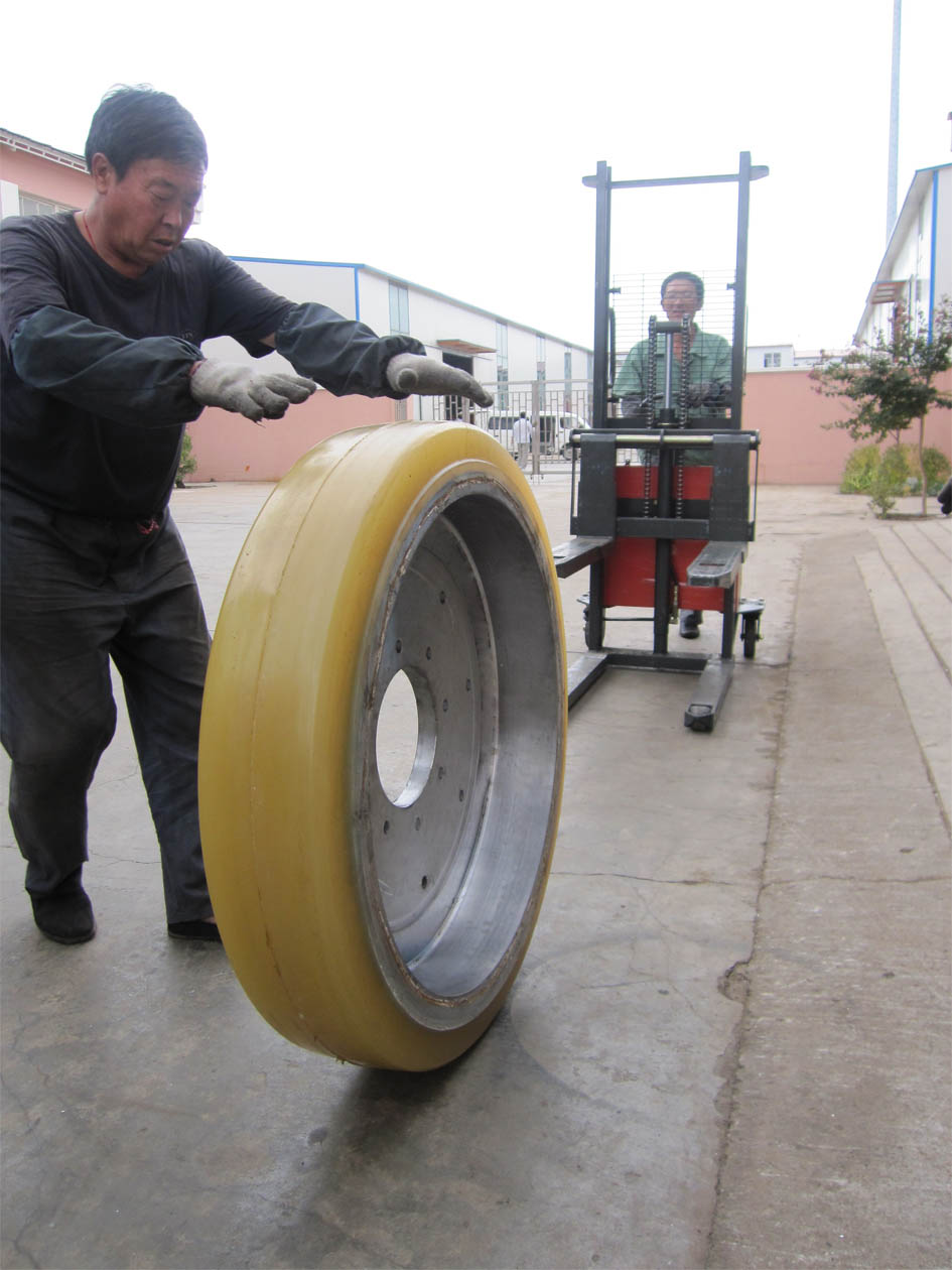 高负载拖车轮 High Load Drag Wheel